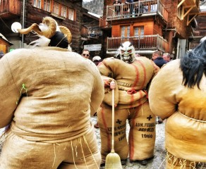Carnaval with the Straw-Men of Val d'Hérens