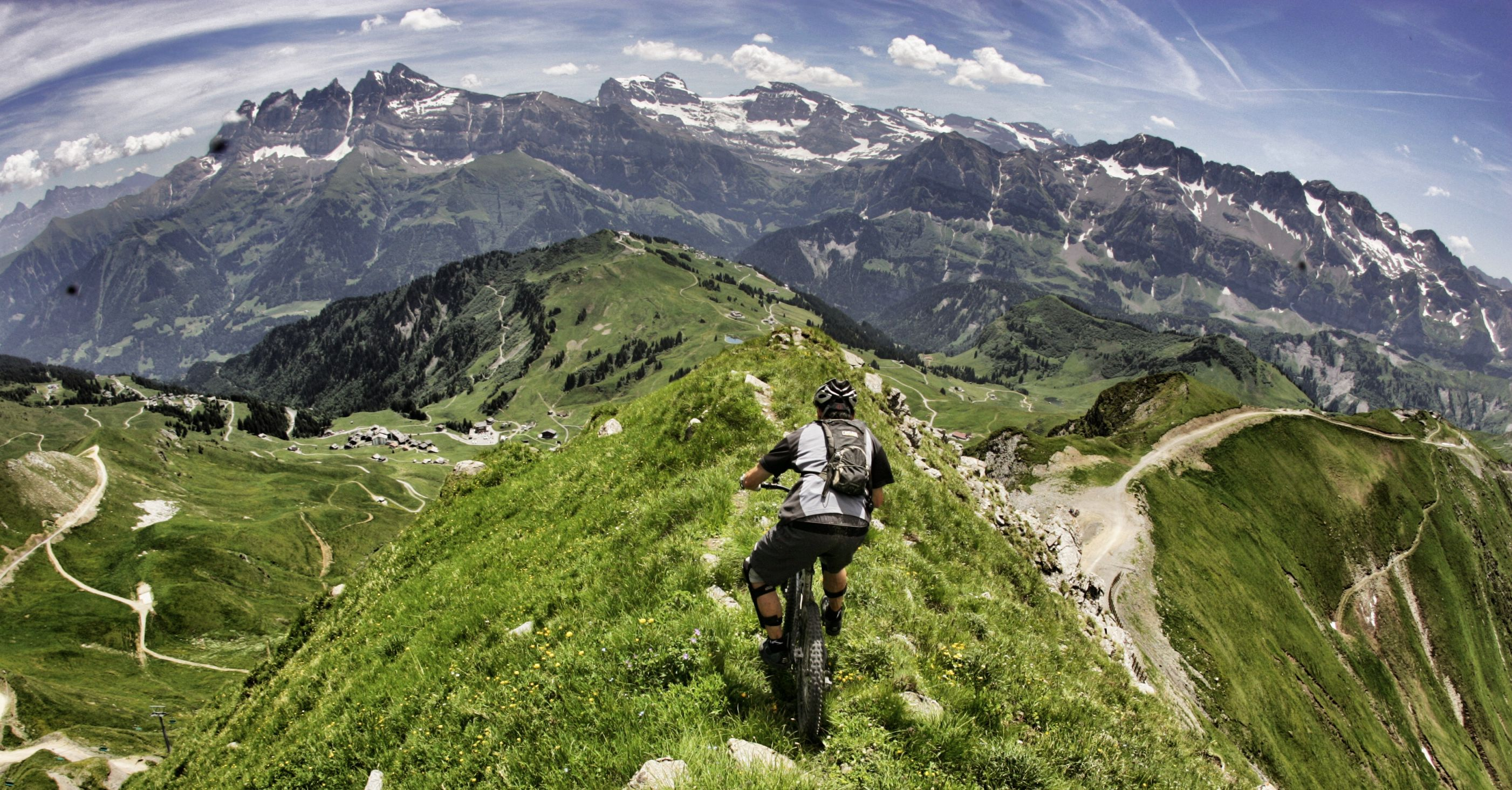 Mountain biking portes du soleil mtb swiss alps epic europe - Portes du soleil horaires ...